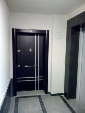 монтирана блиндирана врата